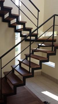 ウォールナット 階段板