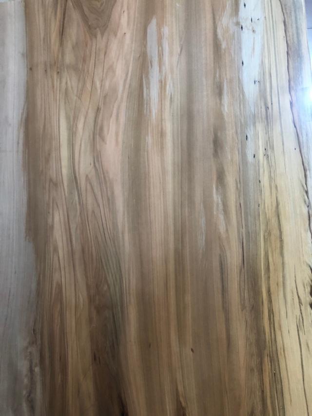 レッドガム 一枚板
